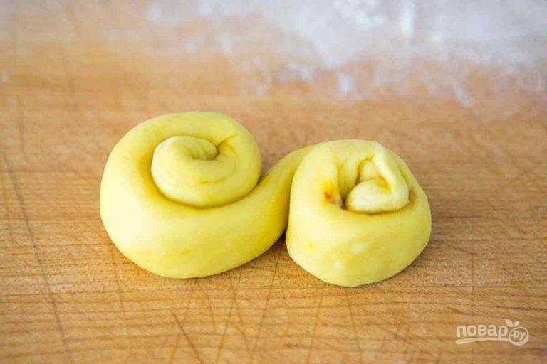 10.Сформируйте из колбаски английскую букву «S».