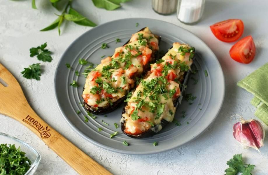 Баклажаны фаршированные гречкой готовы. Приятного аппетита!