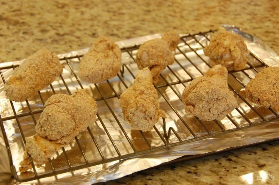 4.Выложите крылья на решетку для запекания, отправьте в духовку.