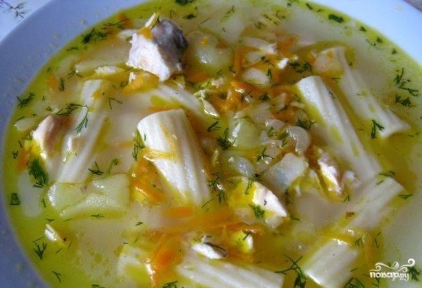 Посолите и поперчите блюдо. Перед подачей добавьте нарезанную зелень. Приятного аппетита!