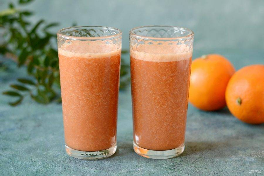 Оранжевый смузи готов!