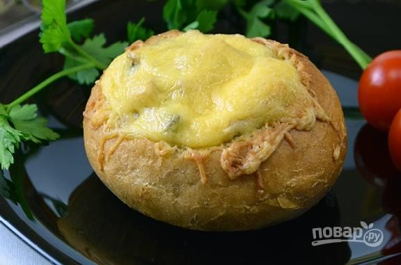 И отправляем в разогретую до 200 градусов духовку минут на 20-25. Сыр должен расплавиться и чуть подрумяниться.
