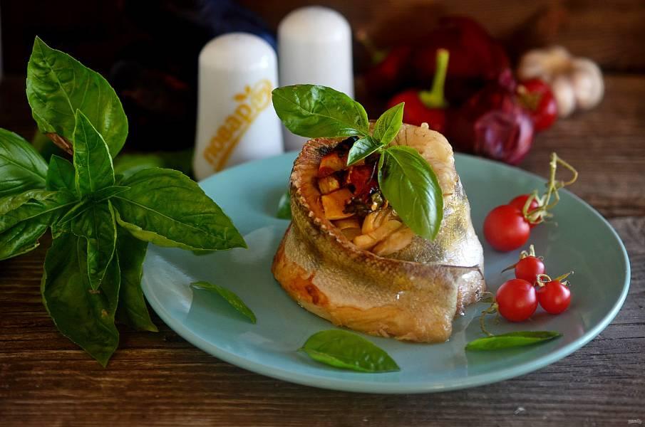 Рыбное кольцо с овощами