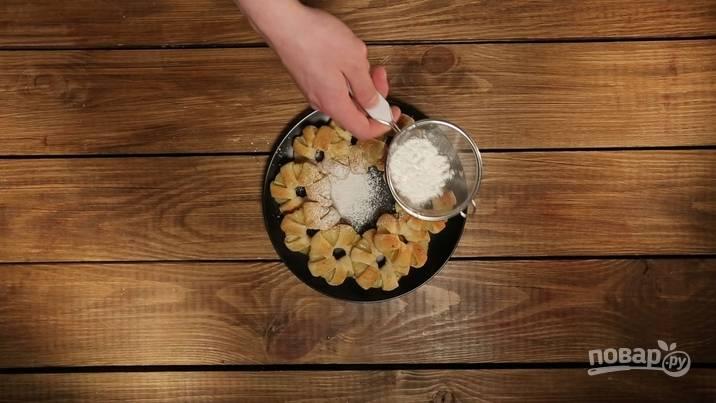 4. Посыпаем сахарной пудрой и подаем к столу. Приятного аппетита!