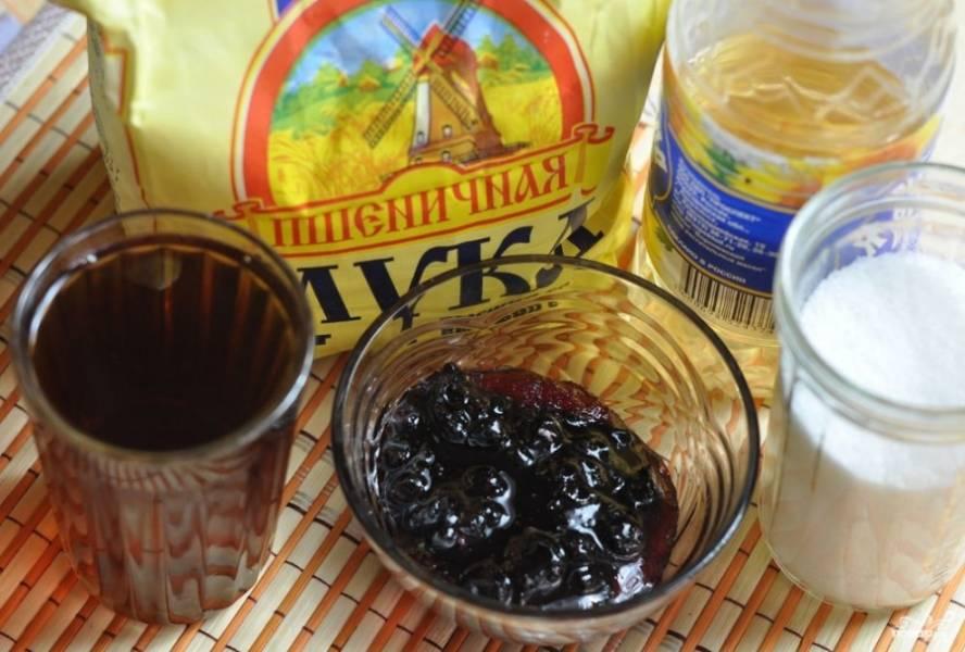 Подготовьте ингредиенты. Чай заварите покрепче и дайте остыть.