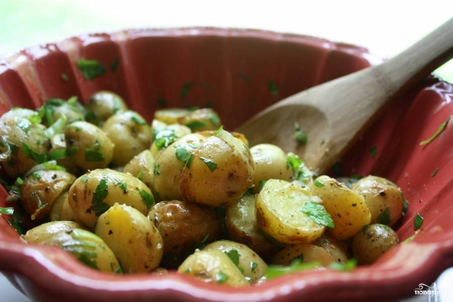 Картофель с мятным майонезом