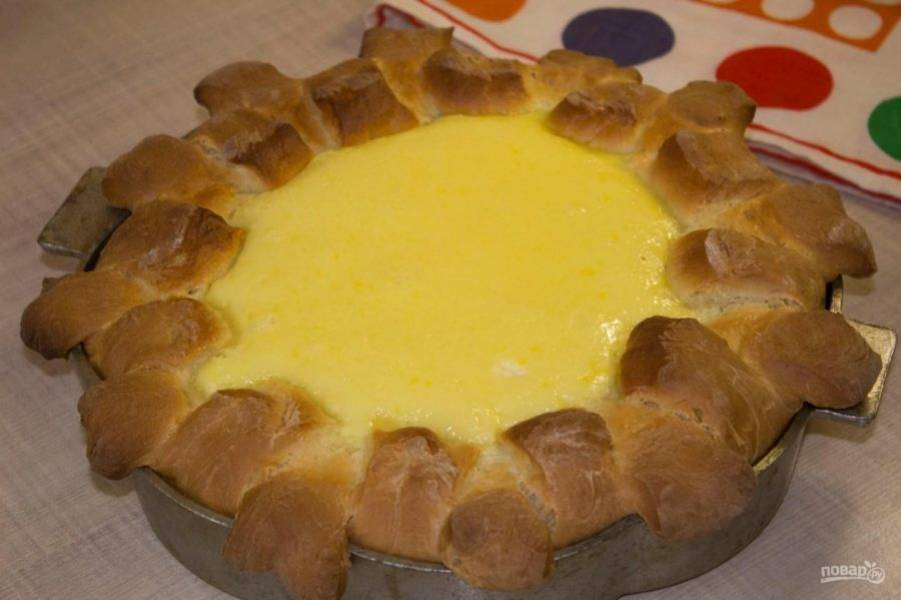 Выпекайте пирог 40-45 минут при 180 градусах. Приятного чаепития!