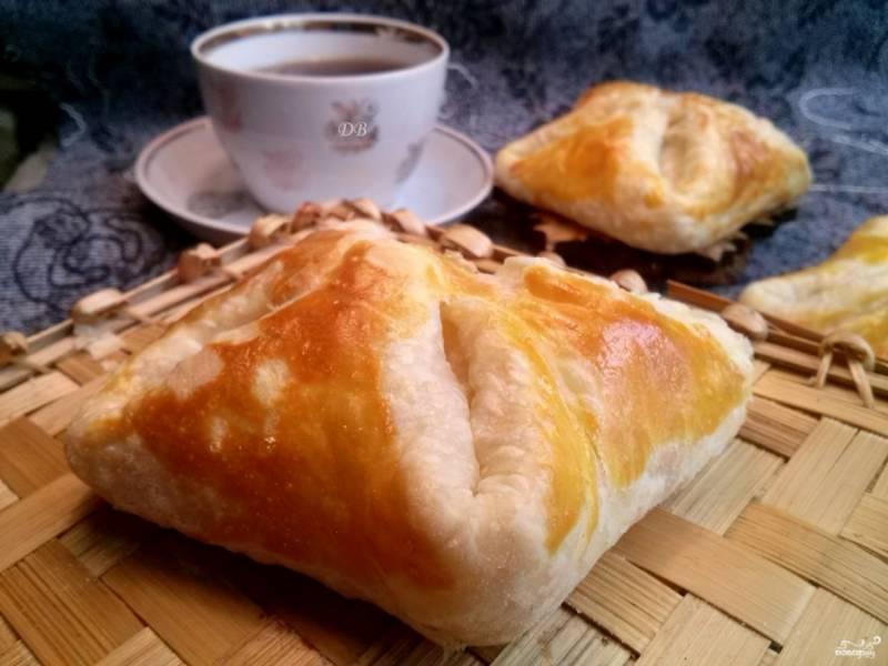 Подавайте горячими. Очень вкусно с чашечкой кофе. Приятного аппетита!