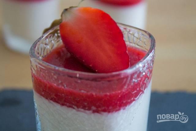 12. Вот такой изысканный итальянский десерт в домашних условиях получился. Перед подачей можно украсить его ягодкой или листочком мяты.