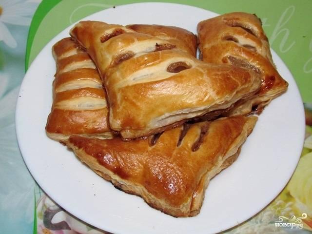 Ароматные слоеные булочки с яблоком и корицей готовы! Наслаждаемся замечательным десертом! К чаю или кофе - вариант просто прекрасный! Приятного аппетита!