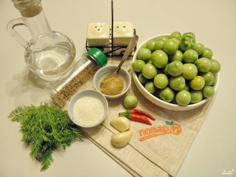 1. Подготовьте все необходимые специи и помидоры. Все тщательно вымойте и очистите. Приступим!