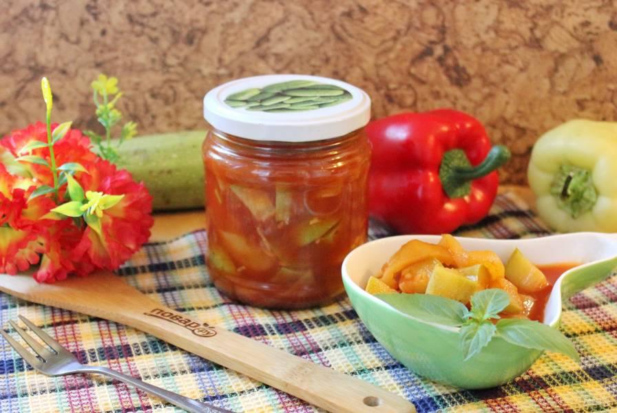 Лечо из кабачков и перцев с томатной пастой