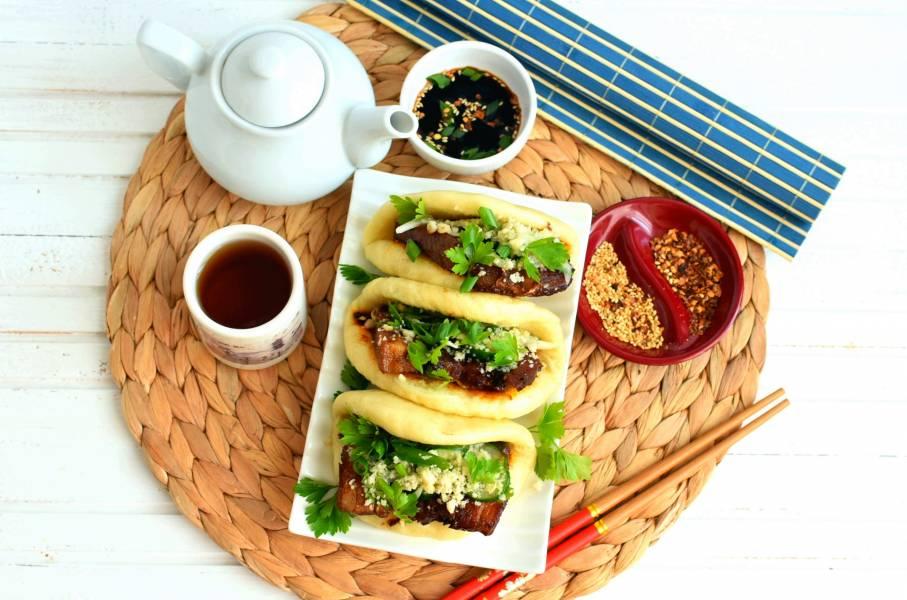 Тайваньские булочки со свининой