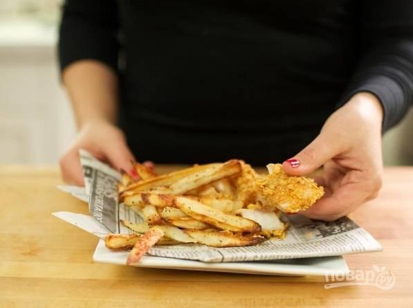 Рыбу запекайте на сковороде в разогретом масле в течение 15 минут.