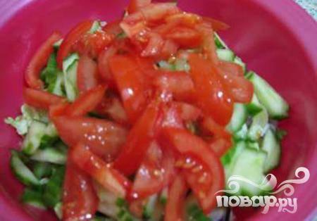 4.то же самое происходит и с помидорами, которые предварительно шинкуются соломкой.