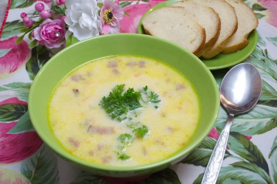 8. Подайте суп к столу, разлив по мискам. Приятного аппетита!