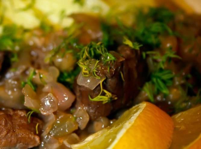 Готовое блюдо подаем с любым гарниром на ваш вкус. Приятного аппетита!
