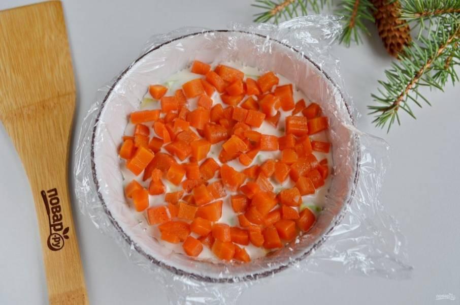 Далее — морковный слой.