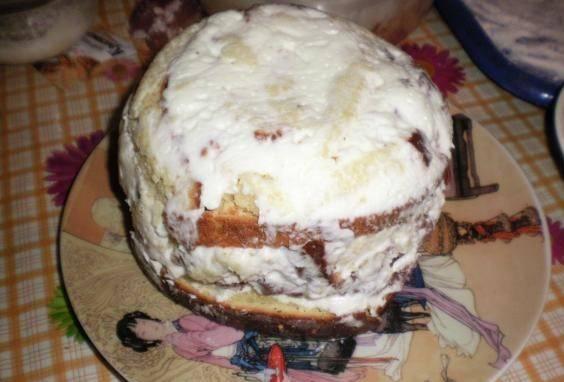 4. Когда основная заготовка для торта будет готова, отправьте ее в холодильник.