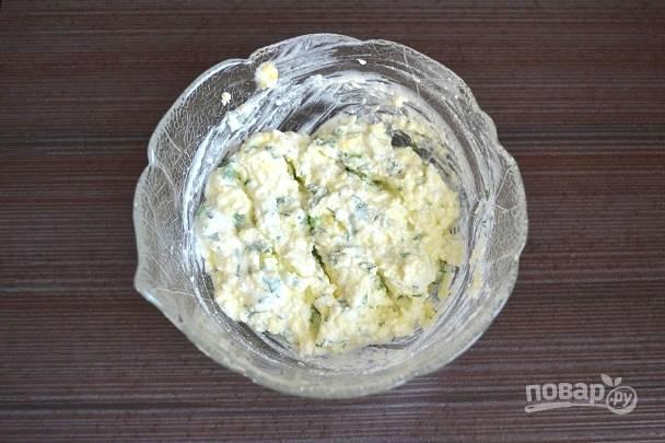 6. Перемешайте до однородности. По вкусу еще можно добавить немного соли или чеснока, например.