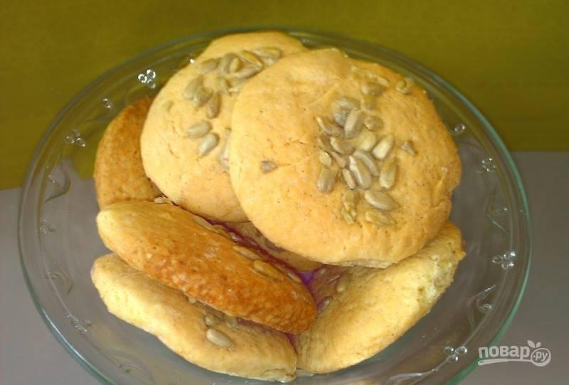 Запекайте печенье при 180 градусах в духовке в течение 15-20 минут. Приятного чаепития!
