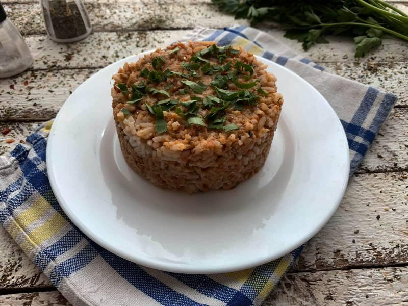 Рис с килькой в томатном соусе