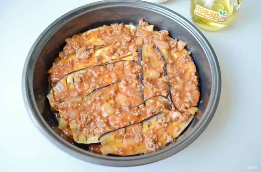 11. Смажьте щедро томатным соусом.