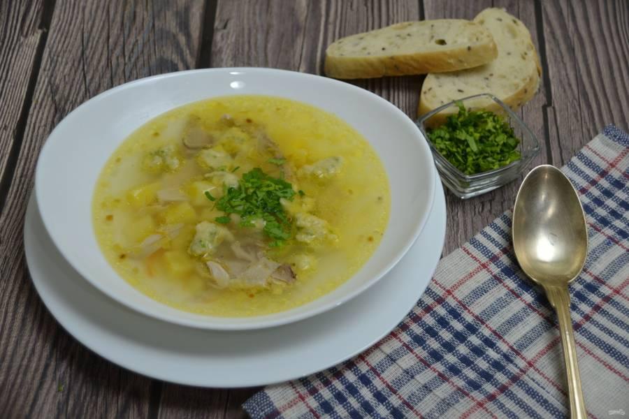 Суп с чесночными клецками