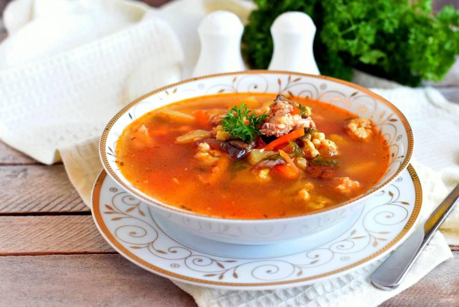 Куриный суп с грибами и цветной капустой