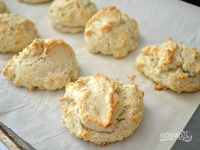 7.Выпекайте печенье в разогретой до 200 градусов духовке в течение 18-22 минут.