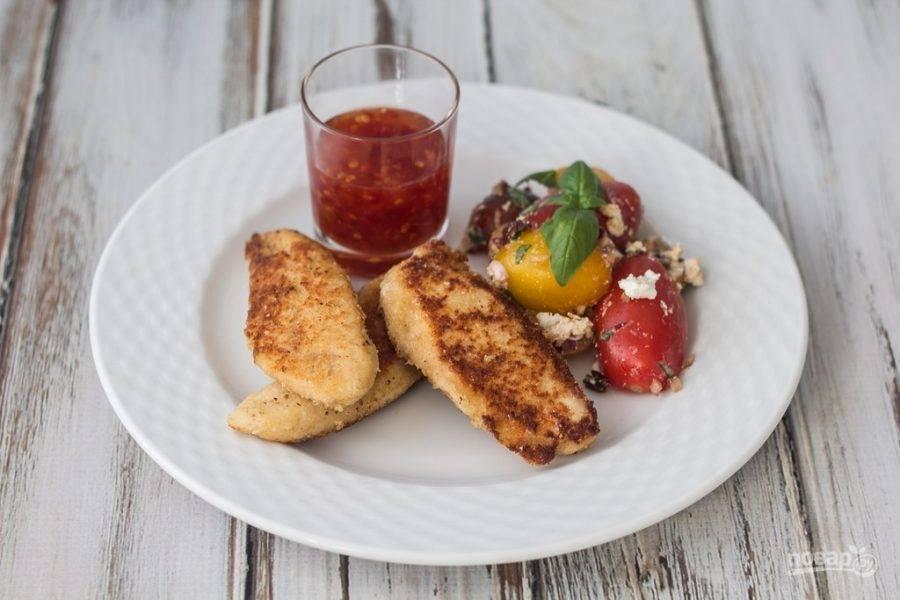 Обжарьте филе в разогретом масле, по 5 минут с каждой стороны. Приятного аппетита!