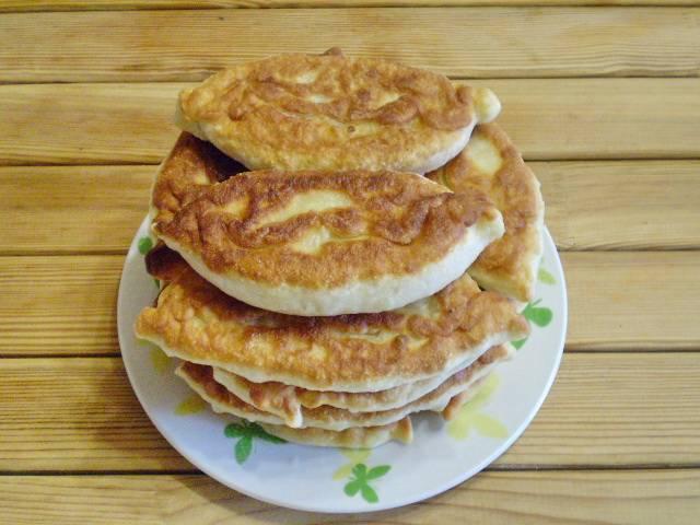 15. Пирожки с капустой и грибами жареные готовы! Подавайте со сметаной. Приятного!