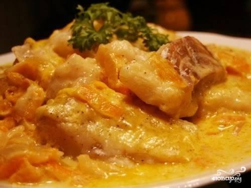 Выставляем режим «Тушение», время – 1 час. Готовое блюдо можно подать с рисом или другим гарниром. Приятного вам аппетита!