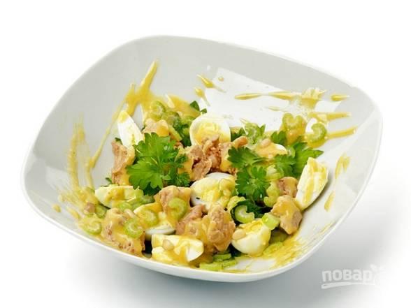 Салат из печени трески с сыром