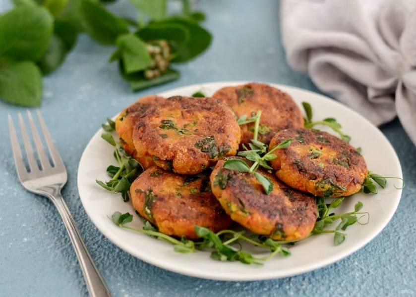 Котлеты из тыквы и моркови готовы, приятного аппетита!