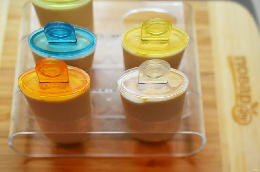 4. Разложите в формочки для мороженого.