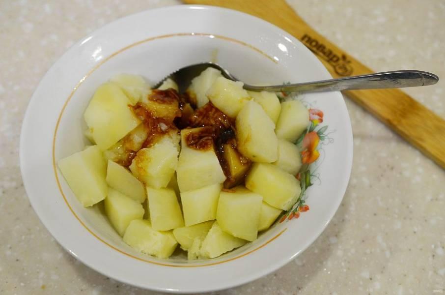 11. Добавьте к картофелю и перемешайте.
