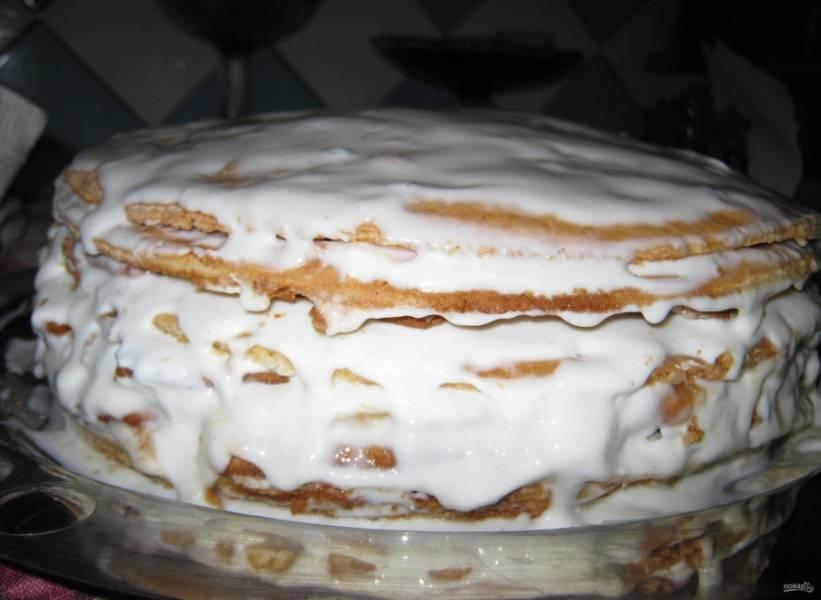 12. Крема не жалейте, тогда торт получится очень мягким.