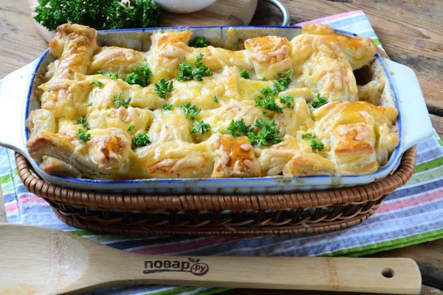 Шведский пирог с фрикадельками готов. Подавайте горячим и кушайте с удовольствием!