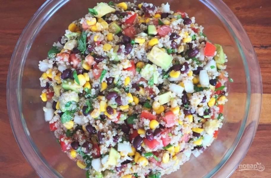 10.Отправьте на 1 час в холодильник, а затем подавайте салатик.
