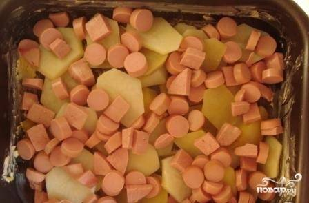 11.Далее выкладываем слой сосисок.