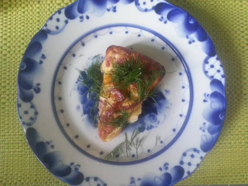 Омлет в духовке с колбасой