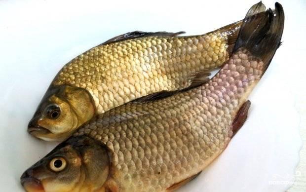 Рыбу почистите, удалите кости, выпотрошите. Уберите жабры, глаза. Потом помойте.