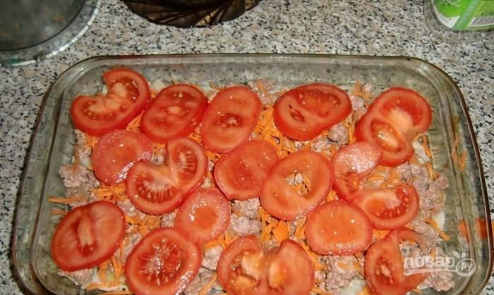 5. И тонкие ломтики помидора.