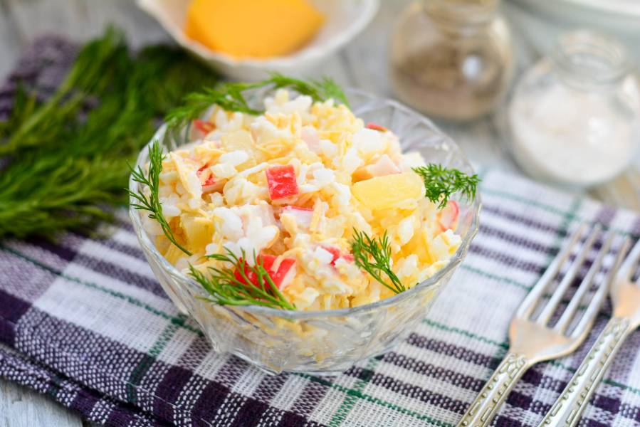 Салат с рисом и ананасом