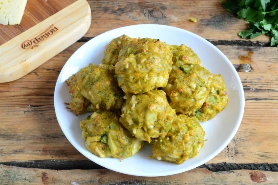 Закуска «Ночной дожор» готова. Подавать ее можно с различными соусами. Кушайте с удовольствием!