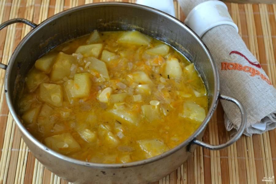 Суп с кабачками готов. Осталось превратить его в пюре.