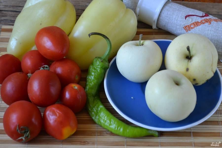 Подготовьте все необходимые ингредиенты. Яблоки я использую кисло-сладкие, наиболее в этом соусе мне нравится сорт «Белый налив».