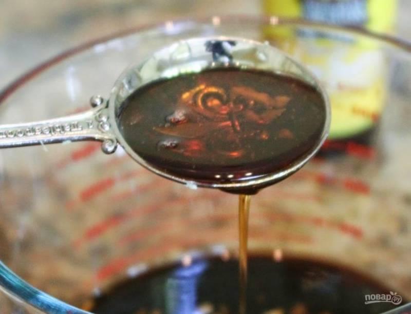 3.Прогрейте немного кунжутное масло и влейте его в чашу, так оно раскроет свой аромат.