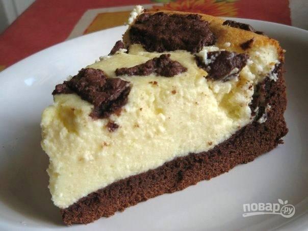 Запекайте пирог при 170 градусах в течение 1 часа. Приятного чаепития!